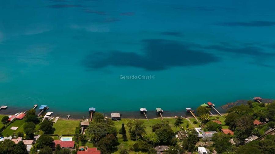Lago de Coatepeque: Aguas diáfanas y un paisaje impresionante