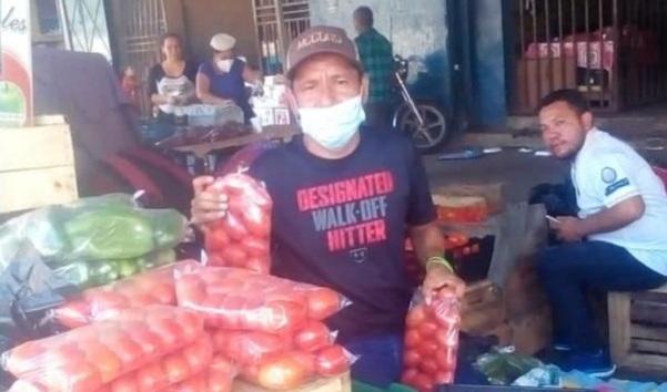 """William Roque: """"Lo más duro es subirse a los buses y bajarse y que la gente no compre""""."""