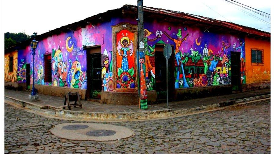 Certámenes regionales para promover la identidad y la cultura de Centroamérica.
