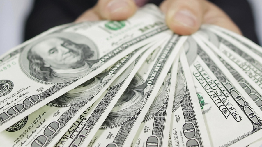 Compatriotas fortalecen economía con envío de remesas