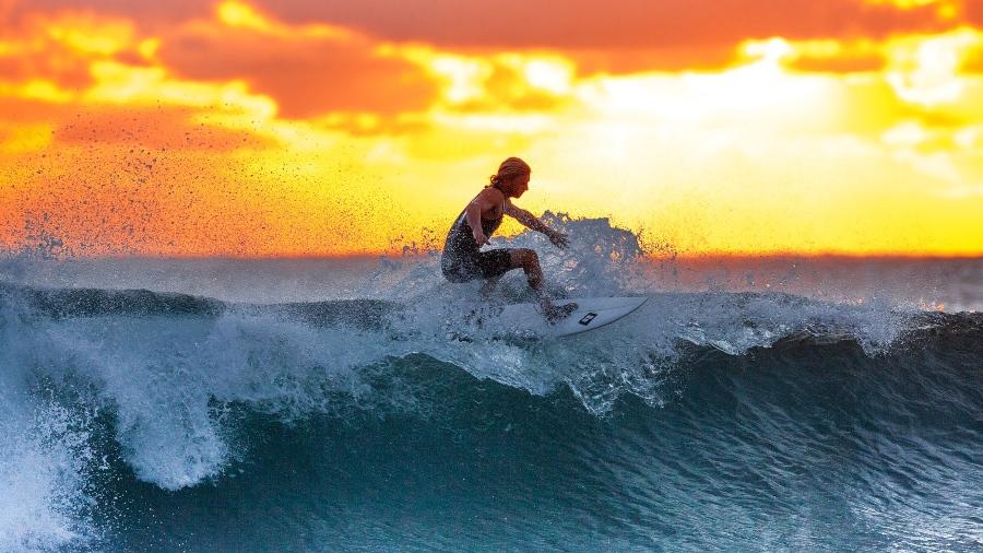 Campeonato de surf levanta de nuevo las magníficas olas salvadoreñas