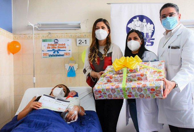 Carlos Alberto, el primer bebé de 2021 en El Salvador