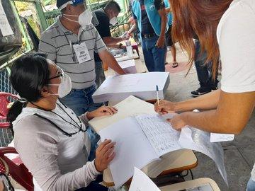 El Salvador celebra elecciones este domingo, una fiesta democrática