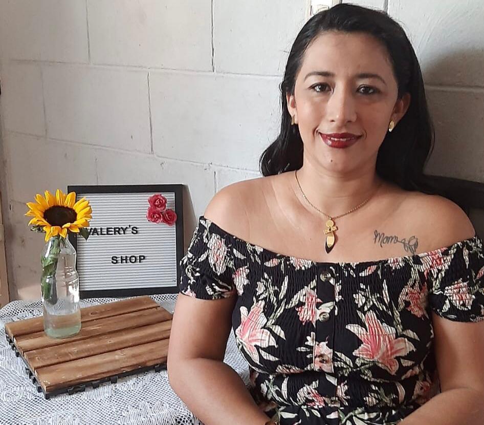 """""""Paty"""" Funes: una mujer visionaria que busca el éxito con sus pequeños negocios"""