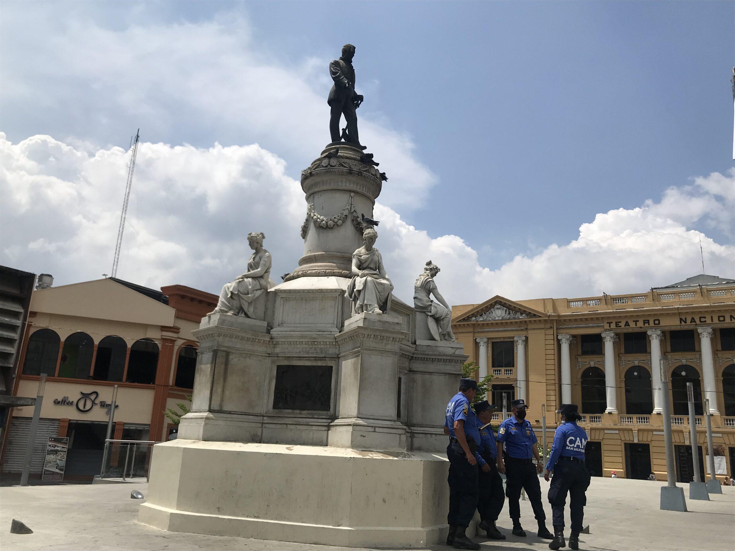 300px-Monumento_Francisco_Morazán.jpg