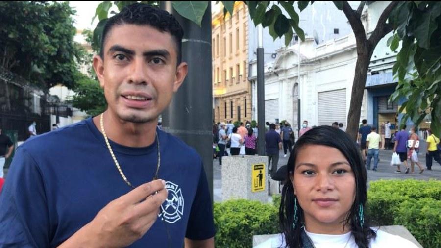 Centro histórico de San Salvador, el vivero ambulante de Romel y Carmen